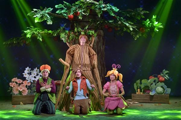 הצגת מנוי: מר זוטא ועץ התפוחים