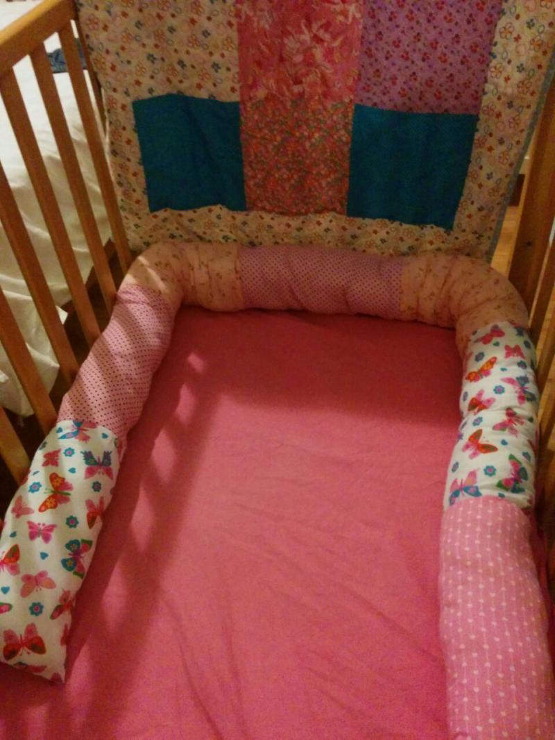 תפירת אקססוריז לבית - מגן למיטת ילדים
